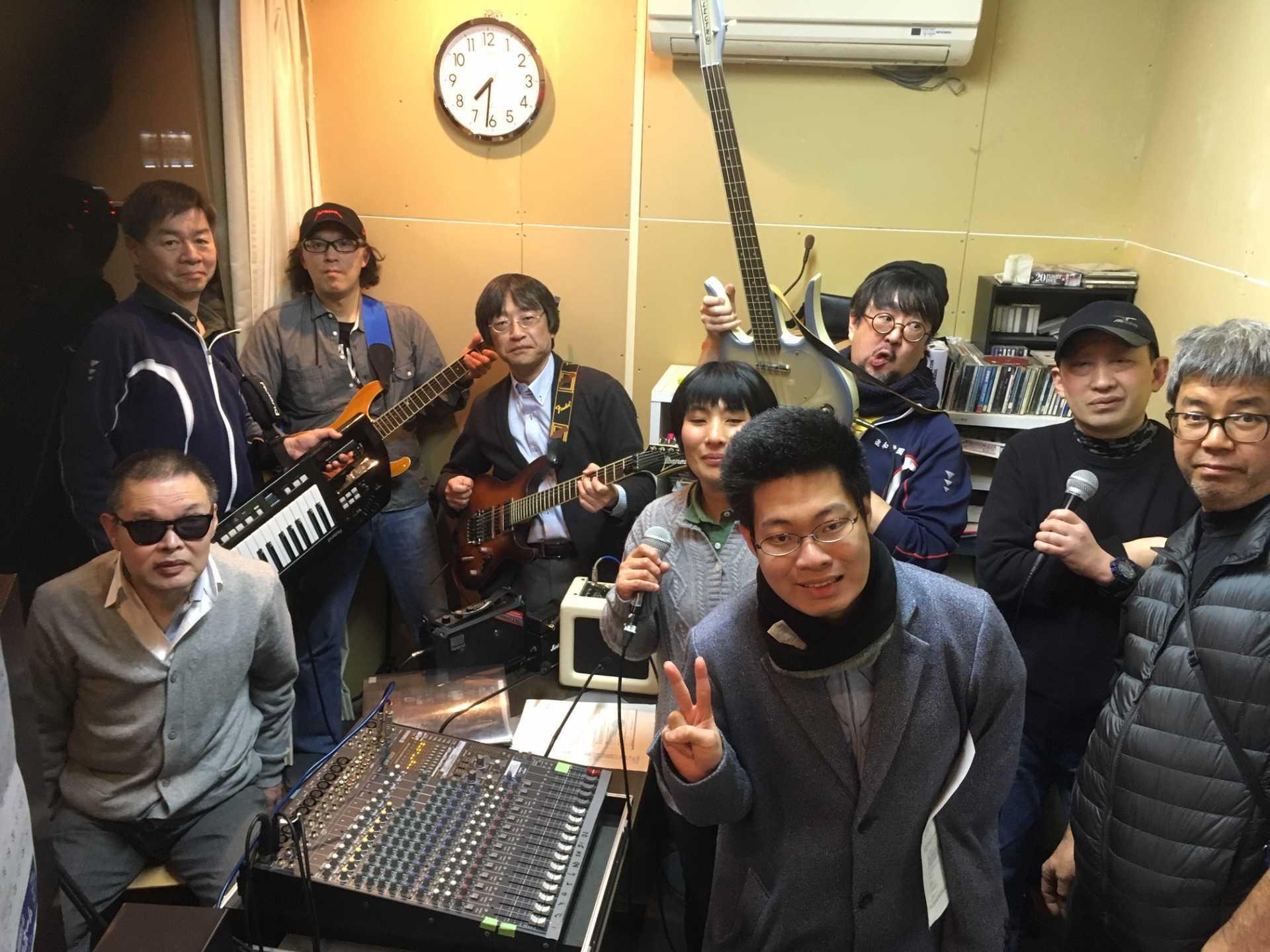 FM湘南ナパサ「バリア!フリフリ天国」でクリスマスソングを生演奏!