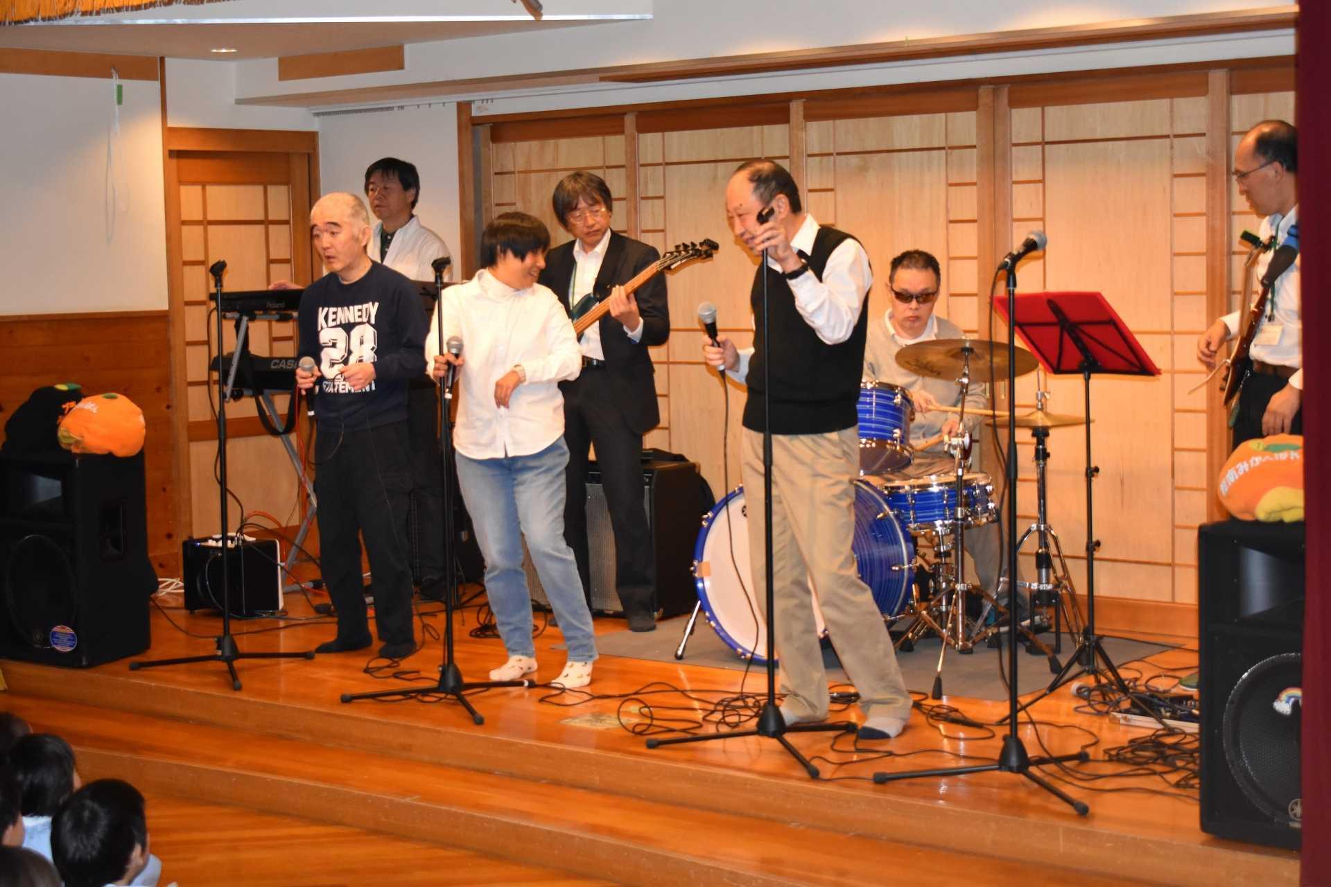 「湘南桜ヶ丘幼稚園訪問コンサート」とびっきりレインボーズ!