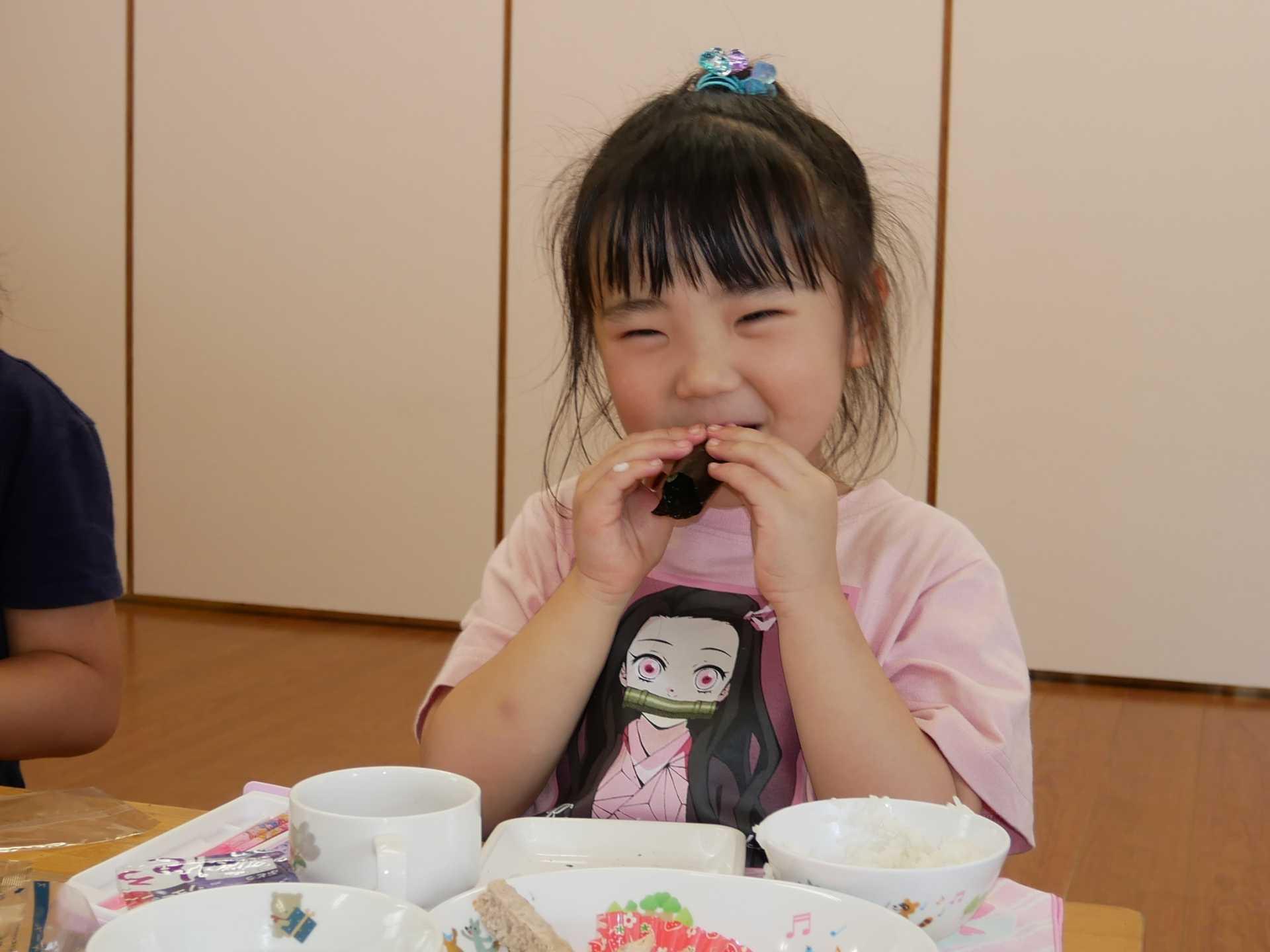 5歳児・手巻き寿司に挑戦